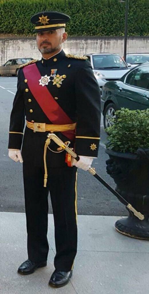 Cliente con Sable Oficial de la Armada